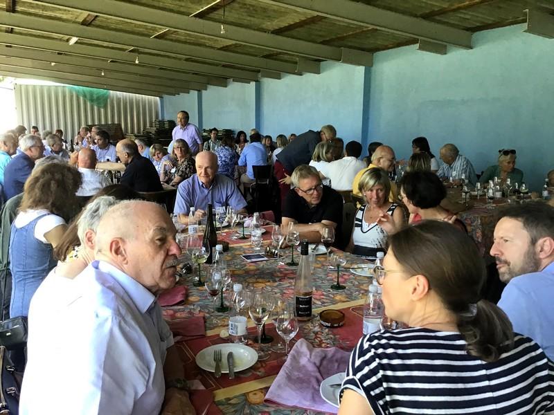 Le déjeuner des présidents d'associations, un repas champêtre.